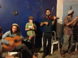 Indie busker band playing the songs of Shlomo Carlebach...