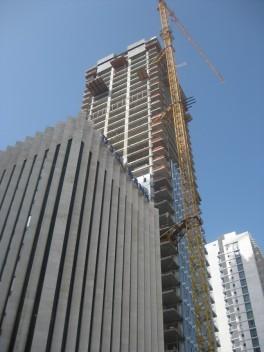tel-aviv-skyscraper-building-a100513-aw7