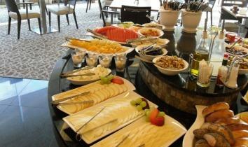israeli-breakfast